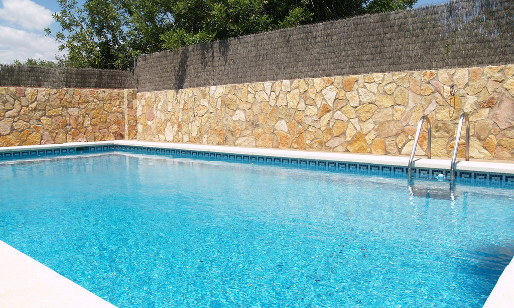 Quitar cal de piscina fabulous de superficie gre with quitar cal de piscina excellent - Quitar cal del agua ...